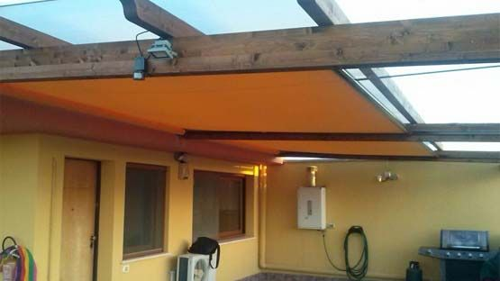 Tenda da sole orizzontale senza cassonetto per patii, verande, gazebo e terrazze
