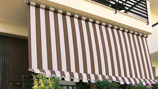 Tenda da sole a caduta per balconi senza cassonetto